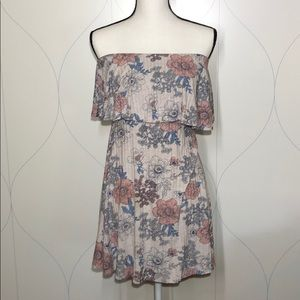 🏷 One Clothing floral strapless dress M